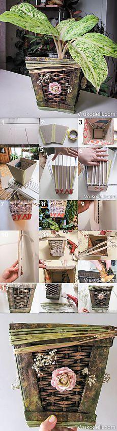 Macetas de flores de tubos de periódicos y cartón