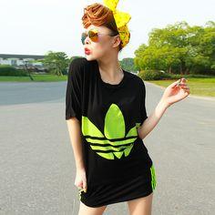 2013 moda feminina casual short saia conjunto desportivo morcego t camisa feminina conjunto