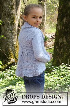 Ravelry: Alvina pattern by DROPS design Baby Knitting Patterns, Baby Cardigan Knitting Pattern, Knitting Kits, Kids Patterns, Knitting For Kids, Crochet For Kids, Free Knitting, Knitting Projects, Drops Design