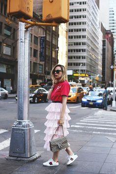 Falda rosa de volantes