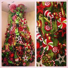 #christmastree #interiordesign #christmas #ornaments #weddingplanner #lights#bow #decor #gift