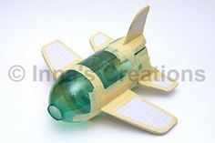 With wings and tail aus pet flaschen rakete aus pet flaschen basteln School Projects, Projects For Kids, Craft Projects, Cardboard Crafts, Paper Crafts, Paper Mache Crafts For Kids, Airplane Crafts, Diy And Crafts, Arts And Crafts