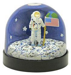 Moon landing Astronaut snow globe/snowdome