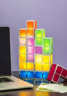 ¡Para los amantes del juego clásico Tetris! ¿Quién dice que no podemos divertirnos con los accesorios? es tu casa, son tus reglas ;)