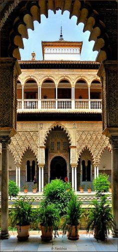 Sevilla : Alcázar : Patio de las Doncellas by François de Nodrest / Pantchoa