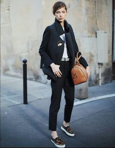 Discover and organize outfit ideas for your clothes. Decide your daily outfit with your wardrobe clothes, and discover the most inspiring personal style Street Style, Street Chic, Street Girl, Minimal Fashion, Timeless Fashion, French Fashion, Effortless Chic, Style Snaps, Cool