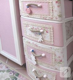 Unbelievable change of 25 years old plastic cabinet. - change of 25 years old plastic cabinet. – Unbelievable change of 25 years old plastic cabinet. Casas Shabby Chic, Shabby Chic Mode, Estilo Shabby Chic, Shabby Chic Crafts, Shabby Chic Cottage, Shabby Chic Style, Shabby Chic Decor, Shabby Chic Pink, Furniture Makeover