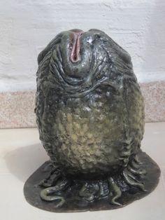 This is my Alien egg sculpt. Made with NSP Chavant Medium. Conquest Of Paradise, Alien Cake, Land Art, Scary Characters, Giger Alien, Alien Halloween, Alien 1979, Predator Alien, Alien Invasion