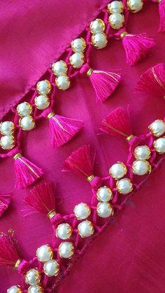 Saree Tassels Designs, Cotton Saree Designs, Saree Kuchu Designs, Wedding Saree Blouse Designs, Fancy Blouse Designs, Saree Wedding, Embroidery Neck Designs, Hand Work Embroidery, Embroidery Flowers Pattern