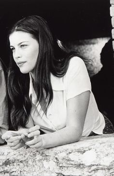 "Liv Tyler during the filming of ""Stealing Beauty"",directed by Bernardo Bertolucci - 1996"
