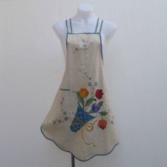 Vintage apron, floral apron, handmade apron, embroidered apron, flowers apron, calico apron, muslin apron, kitchenalia, embroidered flowers by Rethreading on Etsy
