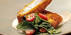 Durante la Cuaresma el empanizado es un clásico: saca el pan y cubre pescados y mariscos con una costra crujiente. Crusts, Lent