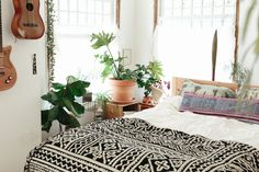 Light filled boho bedroom. Via magic dream life