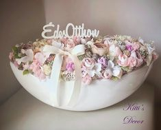 Easter Flower Arrangements, Easter Flowers, Diy Flowers, Flower Decorations, Flower Costume, Diy Home Crafts, Spring Crafts, Easter Crafts, Flower Designs