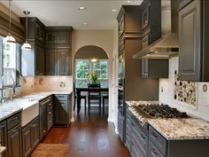 Charcoal Kitchen paint Color: Behr Dark Granite 780F-G Behr Dark Granite 780F-G #Behr #DarkGranite 780F-G