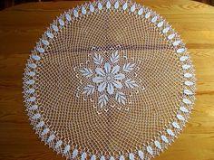 Some time ago I made a napkin whose design captivated me. Mandala Au Crochet, Crochet Doily Patterns, Crochet Borders, Filet Crochet, Baby Knitting Patterns, Crochet Doilies, Crochet Flowers, Knit Crochet, Lace Art