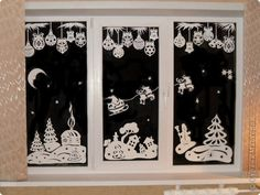 How to DIY Paper Christmas Window Decorations from Free Template Christmas Window Stencils, Christmas Window Decorations, Christmas Window Display, Paper Decorations, Christmas Paper, Winter Christmas, Christmas Ornaments, Diy Weihnachten, Christmas Inspiration