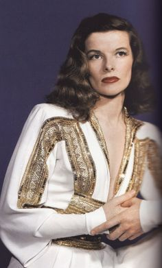 Katharine Hepburn In a Publicity Photo for 'The Philadelphia Story', 1940 - Costumes by Adrian. Glamour Hollywoodien, Old Hollywood Glamour, Golden Age Of Hollywood, Hollywood Stars, Classic Hollywood, Hollywood Divas, Hollywood Icons, Hollywood Fashion, Vintage Hollywood