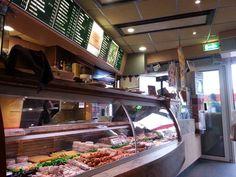 #GenietenisTilburg is heerlijk lekkere snelle bediening en prima frietje bij Den Besterd aan de besterdring in #Tilburg -)