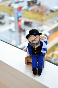Mensch on a Bench! Jewish counterpart to Elf on a Shelf. Great idea! Definitely using with my future kids