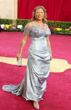 Queen Latifah through the years Curvy Outfits, Plus Size Outfits, Elegant Dresses, Beautiful Dresses, Queen Outfit, Queen Latifah, Plus Size Gowns, Mom Dress, Celebrity Look