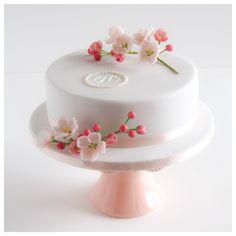 First Communion Cake Communion Cakes, First Communion, Sugar Rush, Cake Birthday, Cheesecakes, Cake Recipes, Cake Decorating, Desserts, Ideas