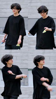 Kim Taehyung, Bts Jungkook, Foto Bts, Kpop, V Bts Wallpaper, Bts Playlist, Bts Korea, Album Bts, Bts Lockscreen