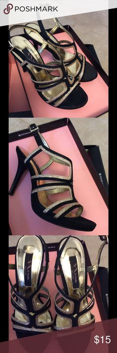 Black & gold homecoming shoes by Nina Szalay 7 Excellent condition ; only worn once Nina Shoes Platforms