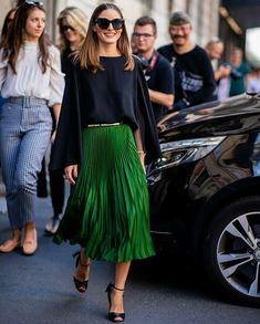 Olivia Palermo wearing green skirt black cape heeled sandals seen outside Etro during Milan Fashion Week Spring/Summer 2019 on September 21 2018 in. Olivia Palermo Outfit, Olivia Palermo Lookbook, Olivia Palermo Style, Look Fashion, Skirt Fashion, Fashion Outfits, Womens Fashion, Fashion Trends, Milan Fashion