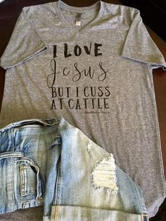 Cuss At Cattle Tee – Southern Mess Boutique Country Outfits, Country Girls, Summer Outfits, Cute Outfits, Down South, Cowgirl Style, Western Style, The Ranch, Western Wear
