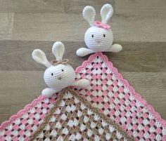 Uniriepuja on jo jonkin verran tullut tehtyä. Nämä tosin ensimmäiset isoäidinneliö puput. Ohje pupuun löytyy täältä. Isoä... Knit Crochet, Christmas Ornaments, Knitting, Holiday Decor, Handicraft Ideas, Kids, Crocheting, Young Children, Crochet