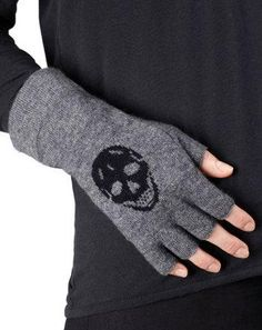 Fingerless Skull glove<3