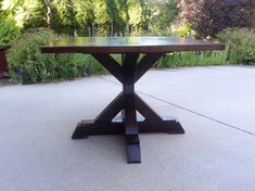 X Base Pedestal Table -- Ana White DYI Plans (The top of this is stunning!)
