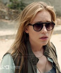 Annie's green cargo vest and sunglasses on Covert Affairs.  Outfit Details: http://wornontv.net/34712/ #CovertAffairs