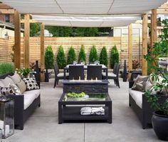 backyard furniture layout