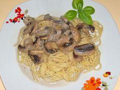 Spaghetti mit Champignon - Sahne - Soße, ein tolles Rezept aus der Kategorie Pasta & Nudel. Bewertungen: 26. Durchschnitt: Ø 3,6.
