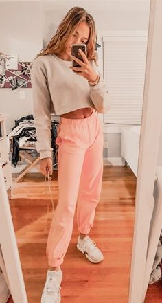 Cute Lazy Outfits, Teen Fashion Outfits, Cute Casual Outfits, Retro Outfits, Outfits For Teens, Fall Outfits, Sporty Fashion, Sporty Chic, Sporty Outfits