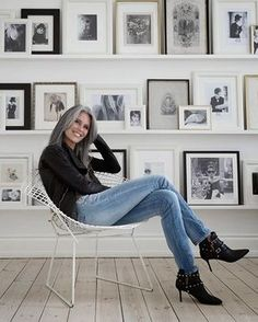 67 Ideas Hair Grey Over 50 Aging Gracefully Silver Haired Beauties, Grey Hair Inspiration, Miranda Priestly, Mode Simple, Outfit Trends, Ageless Beauty, Going Gray, Aging Gracefully, 50 Fashion