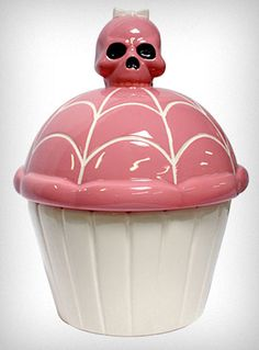 Pink Skullcakes Cookie Jar - A skull to hide your cookies! No way! *wants*