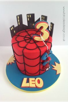 spiderman cake Más - Visit to grab an amazing super hero shirt now on sale Spiderman Birthday Cake, 4th Birthday Cakes, Superhero Cake, Spiderman Cake Topper, Birthday Ideas, Fondant Cakes, Cupcake Cakes, Character Cakes, Novelty Cakes