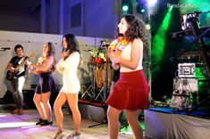 Fotos da Banda Celtas Concert, Dresses, Fashion, Musicals, Small Groups, Dance Music, Bands, Celtic, Norte