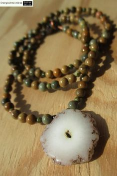 * SOLAR QUARZ amerik. BILDERJASPIS KETTE * S Quartz Picture Jasper Necklace * Solar, Wild Horses, Jasper, Pearl Necklace, Quartz, Healing, Necklaces, Gemstones, Pearls
