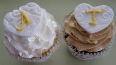 Monogram wedding cupcakes