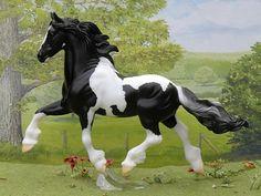Breyer Model Horses - NEW IN BOX Kuchi Gypsy Vanner Traditional Model - No. 1353 $50.00