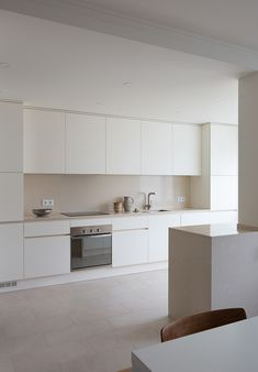 Carnide Apartment is a minimalist apartment located in Lisbon, Portugal, designed by Lola Cwikowski Minimal Kitchen Design, Interior Design Minimalist, Kitchen Room Design, Minimalist Kitchen, Interior Design Kitchen, Kitchen Decor, Kitchen Cabinet Layout, Modern Minimalist, Modern Interior