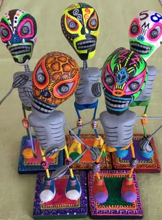 Skeleton Drawings, Skeleton Art, Mexican Mask, Mexican Folk Art, Funky Decor, Mexican Ceramics, Day Of The Dead Art, Weird Art, Art Lesson Plans