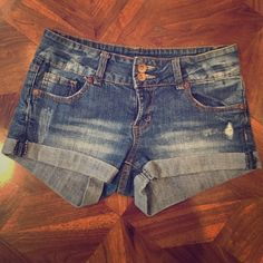 Denim shorts Great for summer! High quality and in good condition refuge Shorts Jean Shorts