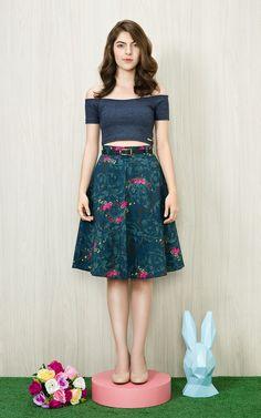 O Cropped Disco é lindo e básico, perfeito para usar com saias estampadas!