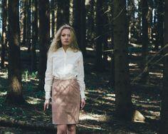 fotograf wendelborg bolina moteserie skog Lace Skirt, Sequin Skirt, Sequins, Skirts, Photography, Fashion, Moda, Sequined Skirt, Fotografie