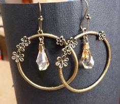 Boucles d'oreilles créoles en bronze perles cristal Swarovski : Boucles d'oreille par c-est-pas-madame-c-est-mademoiselle